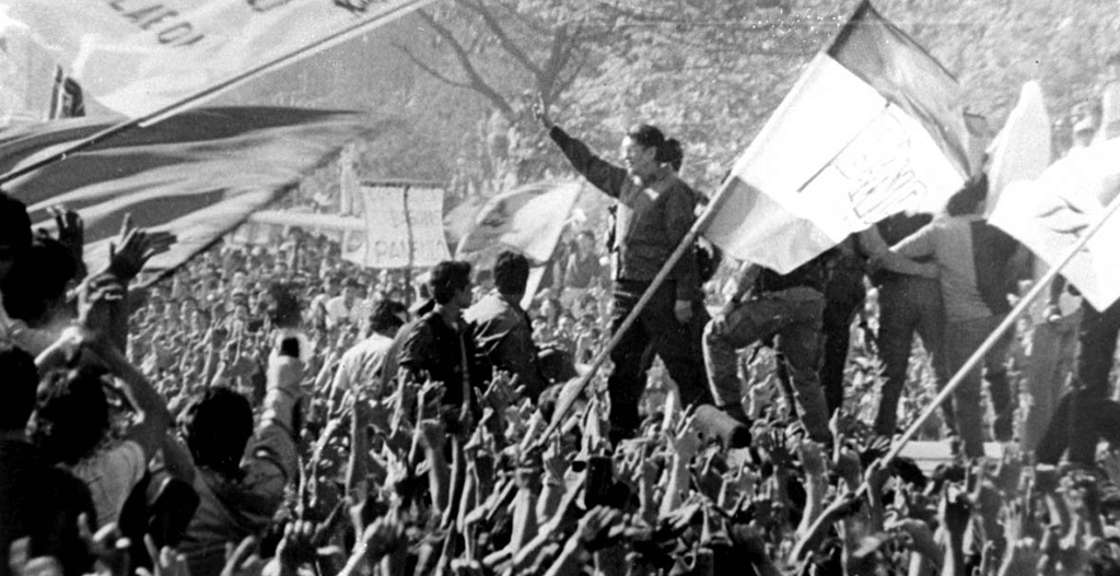 One of the iconic EDSA People Power Revolution images